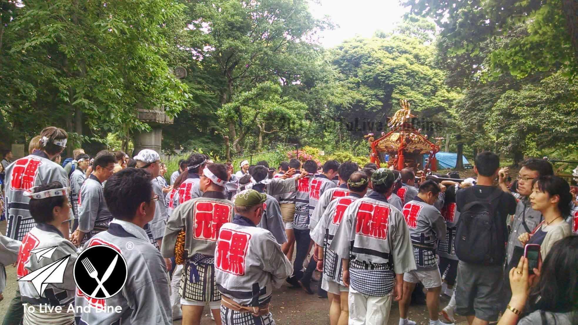 The grown men chanting at Ueno Park